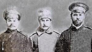 Иван Гладких (слева), солдат царской армии, житель с.Крестище