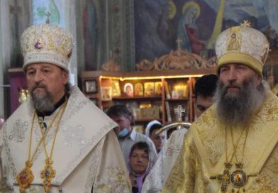 Два архипастыря совершили Всенощное бдение в Вознесенском храме